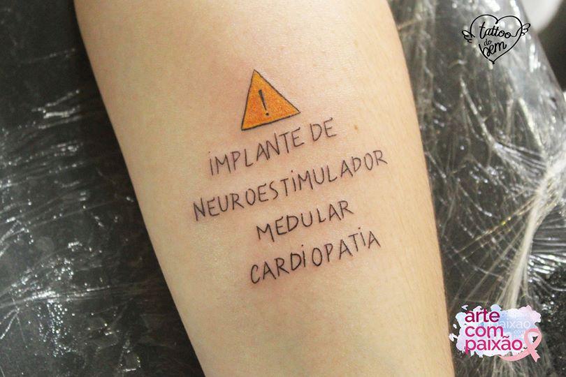 56276116 1357948101010091 5041536468648984576 o - Tatuagem de segurança: arte com alertas de saúde