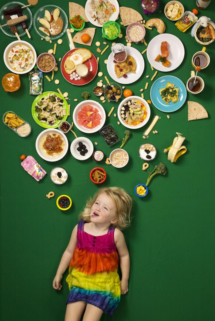 kids surrounded weekly diet photos daily bread gregg segal 17 5d11c0fb7e602 700 - O que crianças de países e culturas diferentes comem?