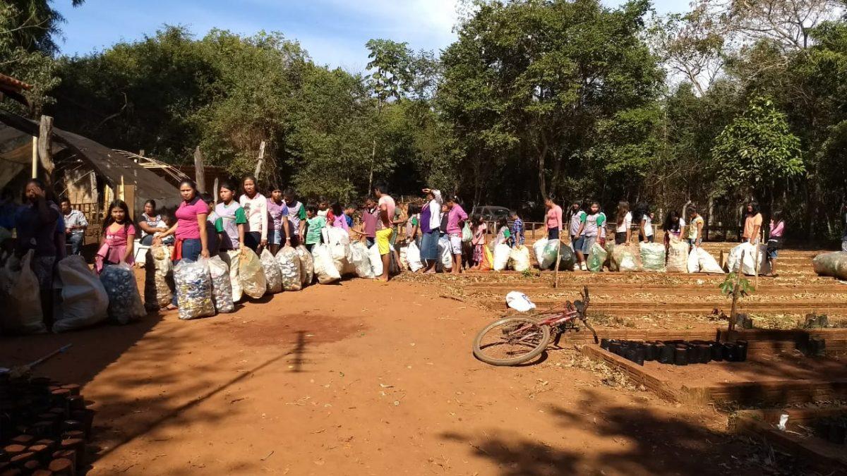 img 20180729 wa0021 orig scaled - Mercado ecológico na Floresta Amazônica troca materiais recicláveis por alimentos
