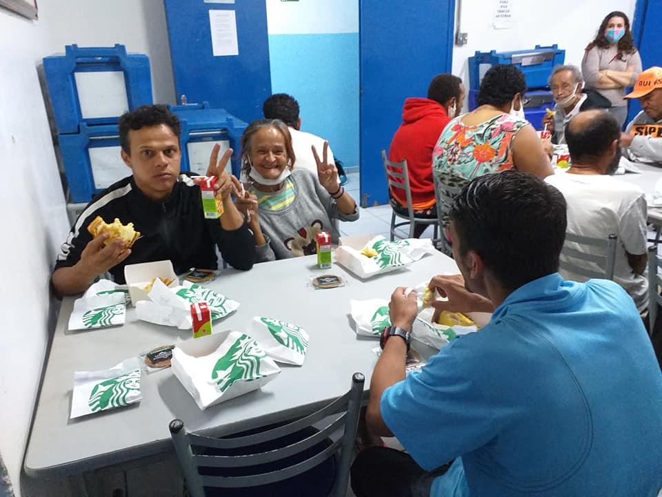 97984058 1126388854392027 2843407442467880960 n - Starbucks Brasil promove café da tarde para moradores de rua de Jundiaí, interior de São Paulo
