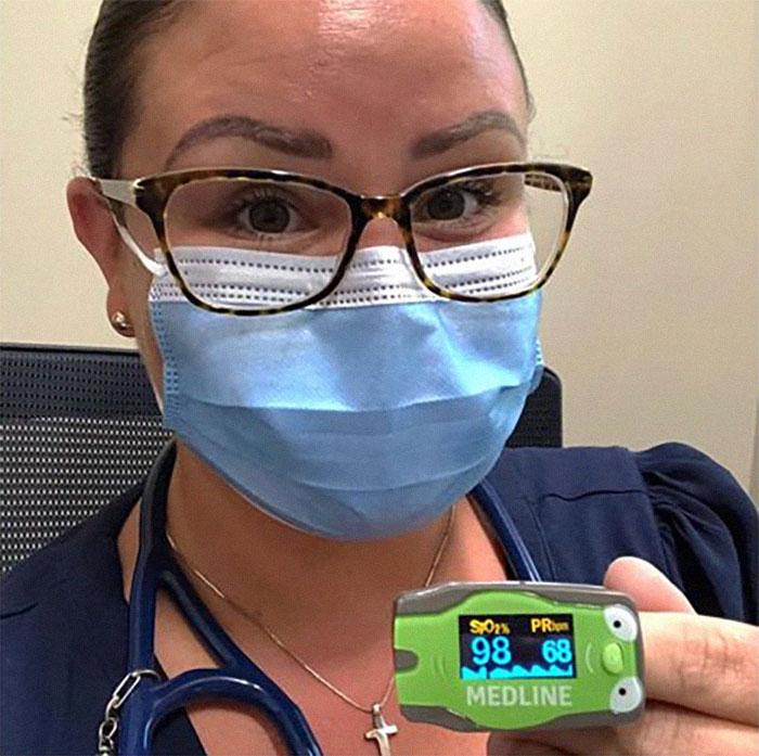 Img2 - Médica demonstra se diminui o oxigênio quando você usa máscaras