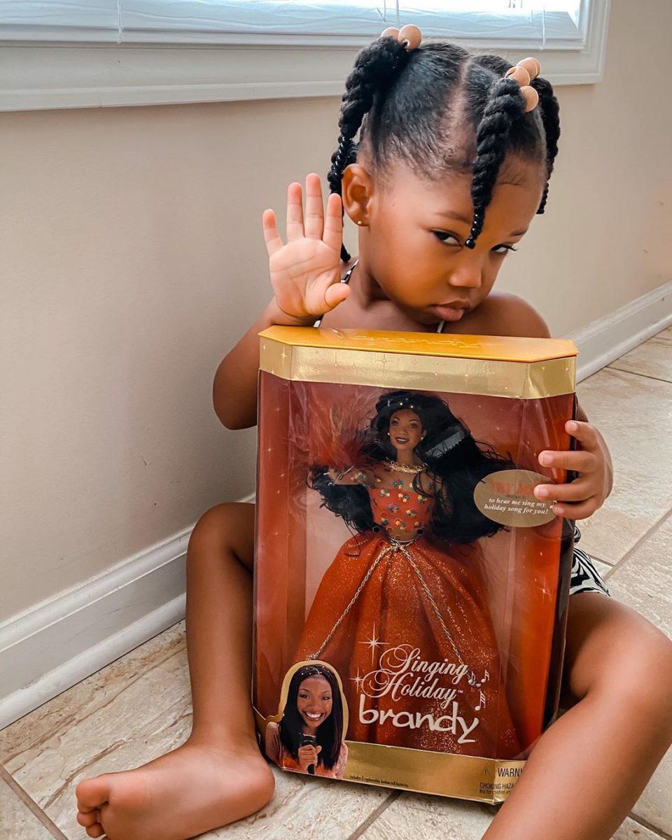 117437834 297027918389976 220414128115761981 n scaled - Bonecas negras destacam importância da diversidade para as crianças