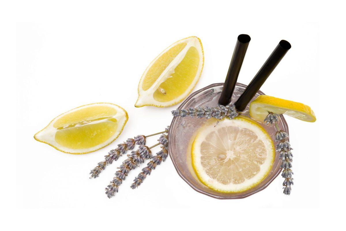 food 3175293 1920 scaled - Limonada de lavanda ajuda a aliviar ansiedade e dores de cabeça de forma natural