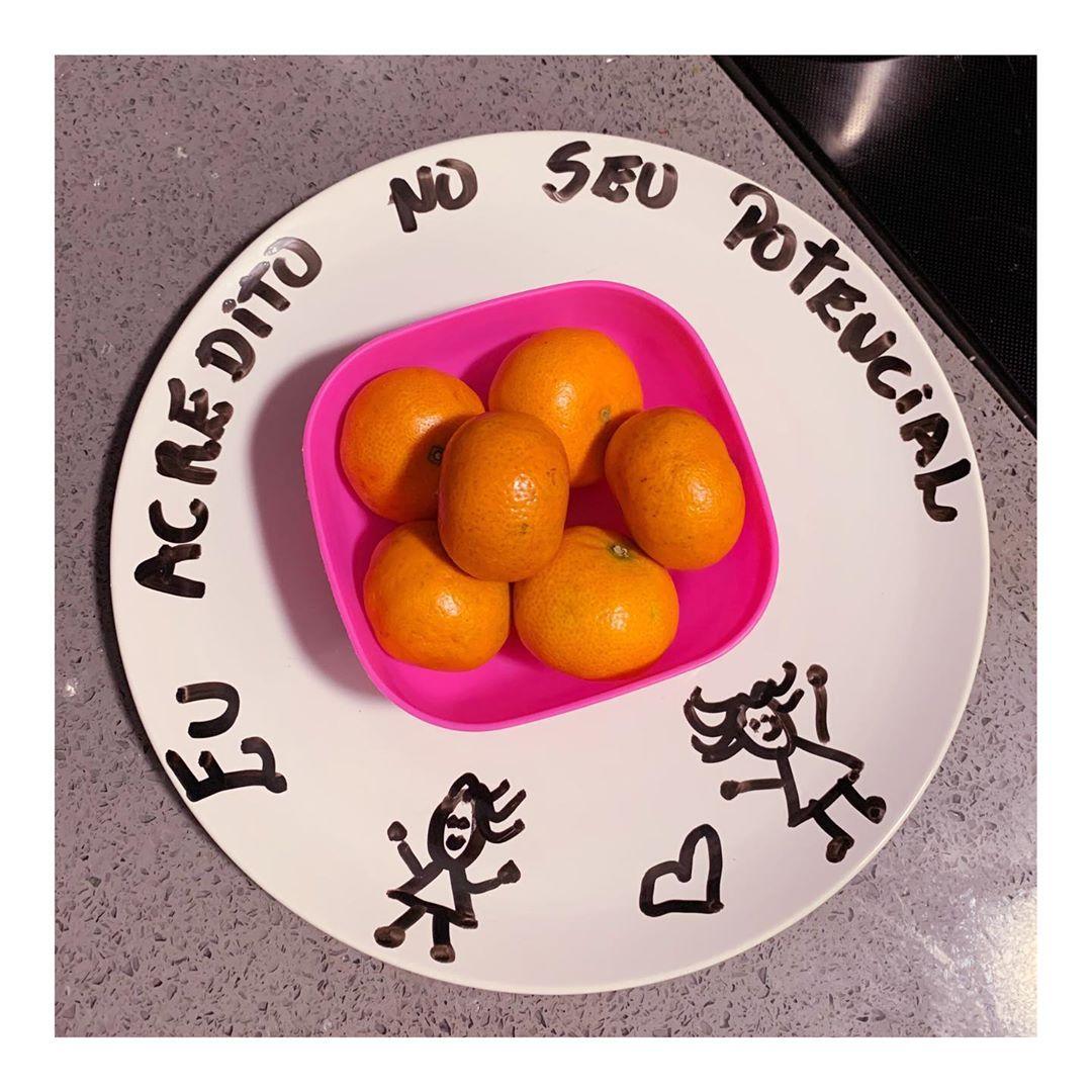 121512252 3747937698552280 3250868383639294708 n - Mãe deixa mensagens de amor e respeito em todas as refeições da filha