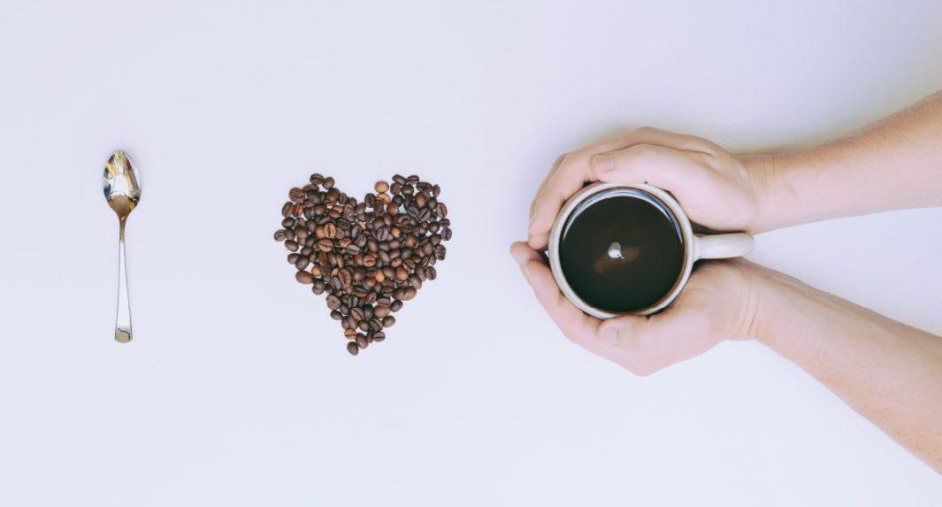 pexels pixabay 266755 scaled e1606420545257 - Quem bebe cerveja ou café tem mais chance de passar dos 90 anos, indica estudo
