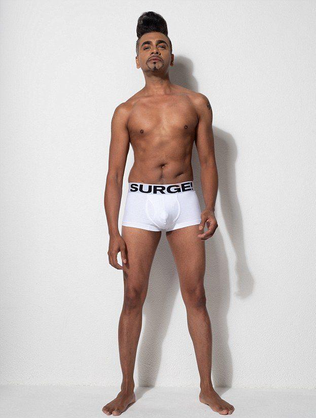 4EDACF7000000578 6028643 Jay Kamiraz 39 a 90 1533554724316 e1610043350279 - Marca de roupa íntima masculina optou por modelos comuns para apoiar a diversidade