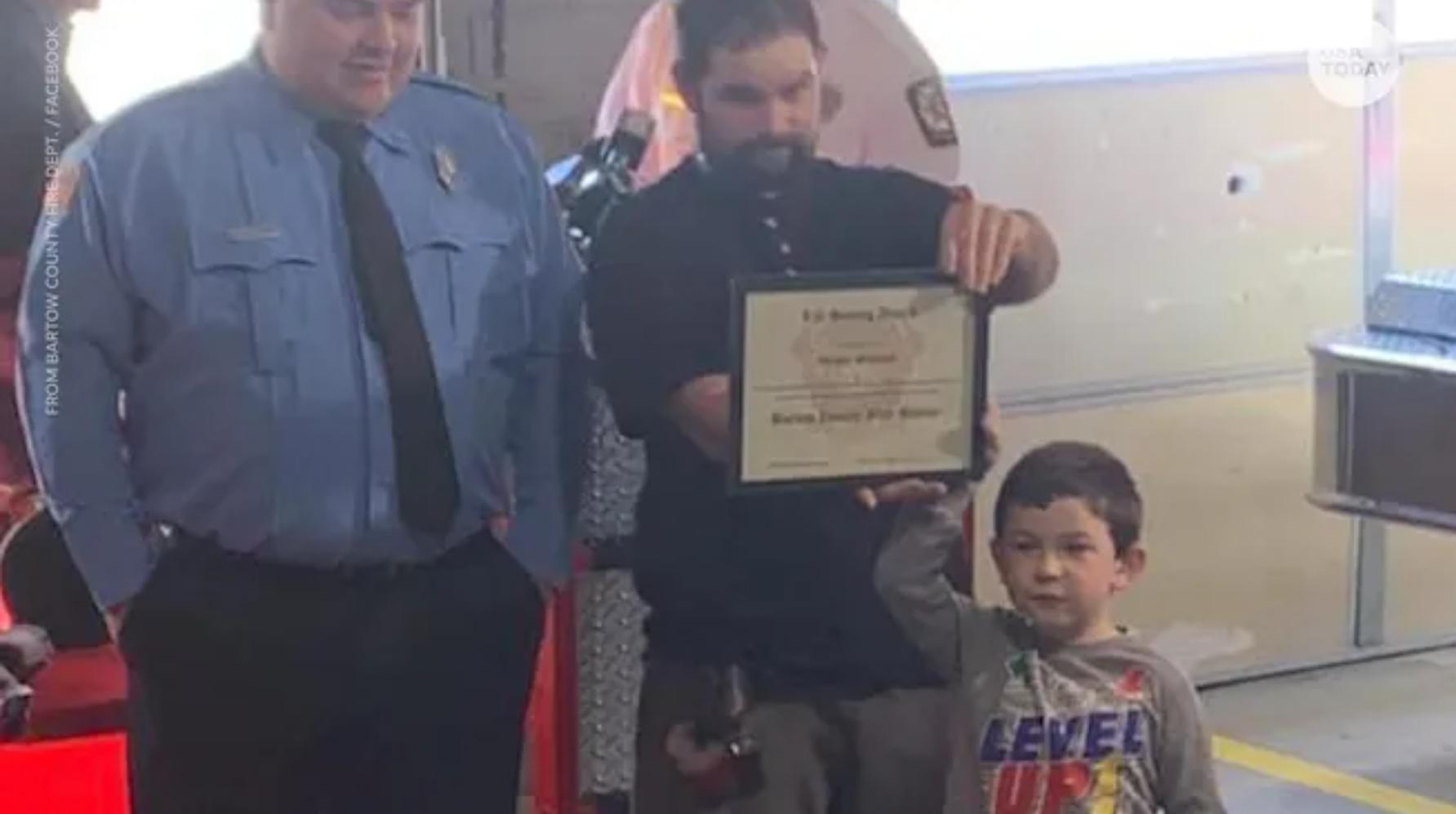 menino de 5 anos salva a irma de incendio em chamas e volta para salvar o cachorro - Menino de 5 anos salva a irmã de incêndio em chamas e volta para salvar o cachorro