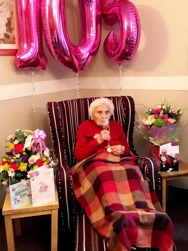 mulher de 105 anos afirma que ser solteira e o segredo para a vida longa 4 - Mulher de 105 anos afirma que ser solteira é o segredo para a vida longa