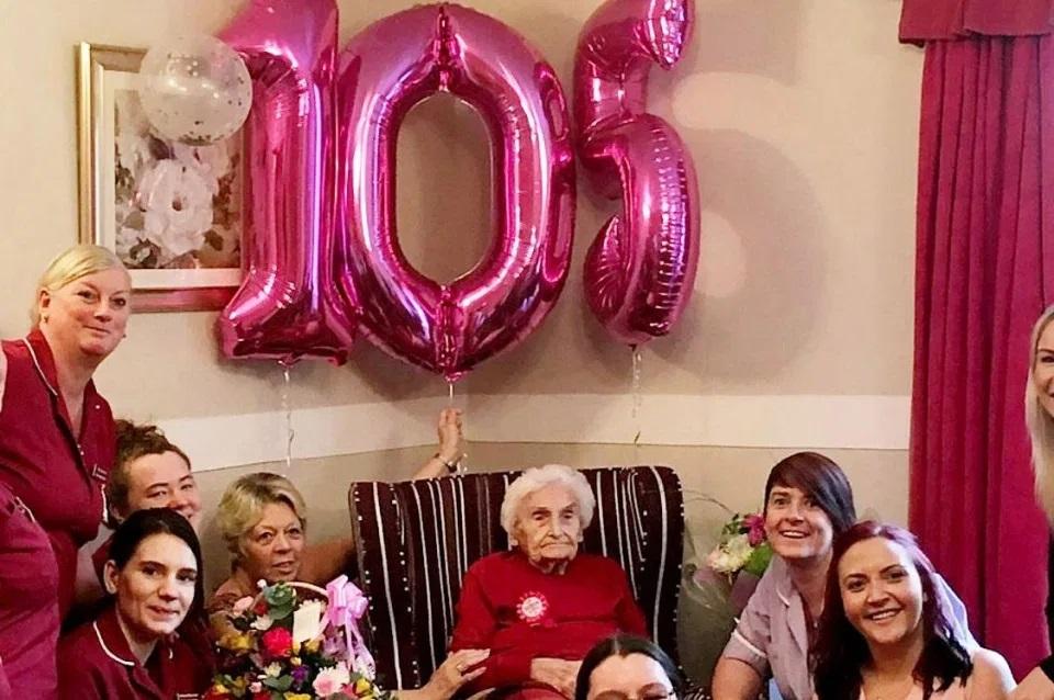 mulher de 105 anos afirma que ser solteira e o segredo para a vida longa - Mulher de 105 anos afirma que ser solteira é o segredo para a vida longa